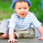 Розвиток дитини від 8 до 9 місяців
