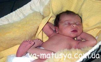 Розвиток дитини від 0 (моменту народження) до 1 місяця