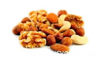 Горіхи і арахіс: чи варто побоюватися цих продуктів під час вагітності