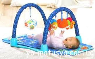 Перші іграшки для новонародженого