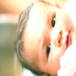 Забобони: Чи можна показувати дитину до 40 днів або хрестин