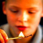 Що робити якщо дитина отримала опіки відкритим вогнем?