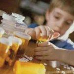 Надання допомоги при отруєнні дитини ліками – будьте обережні!