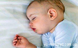 Як привчити дитину засинати в своєму ліжечку